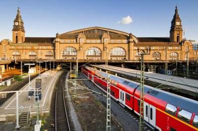 BMVI präsentiert den Deutschlandtakt