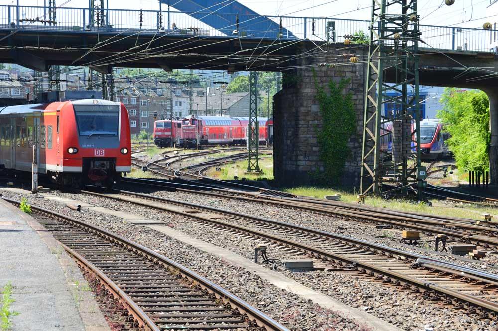 Kapazitätsberechnungen für ETCS auf der Strecke und im Knoten